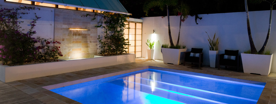 CéBlue Experience private swimming pool