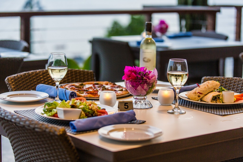 CéBlue Experience exquisite dining options